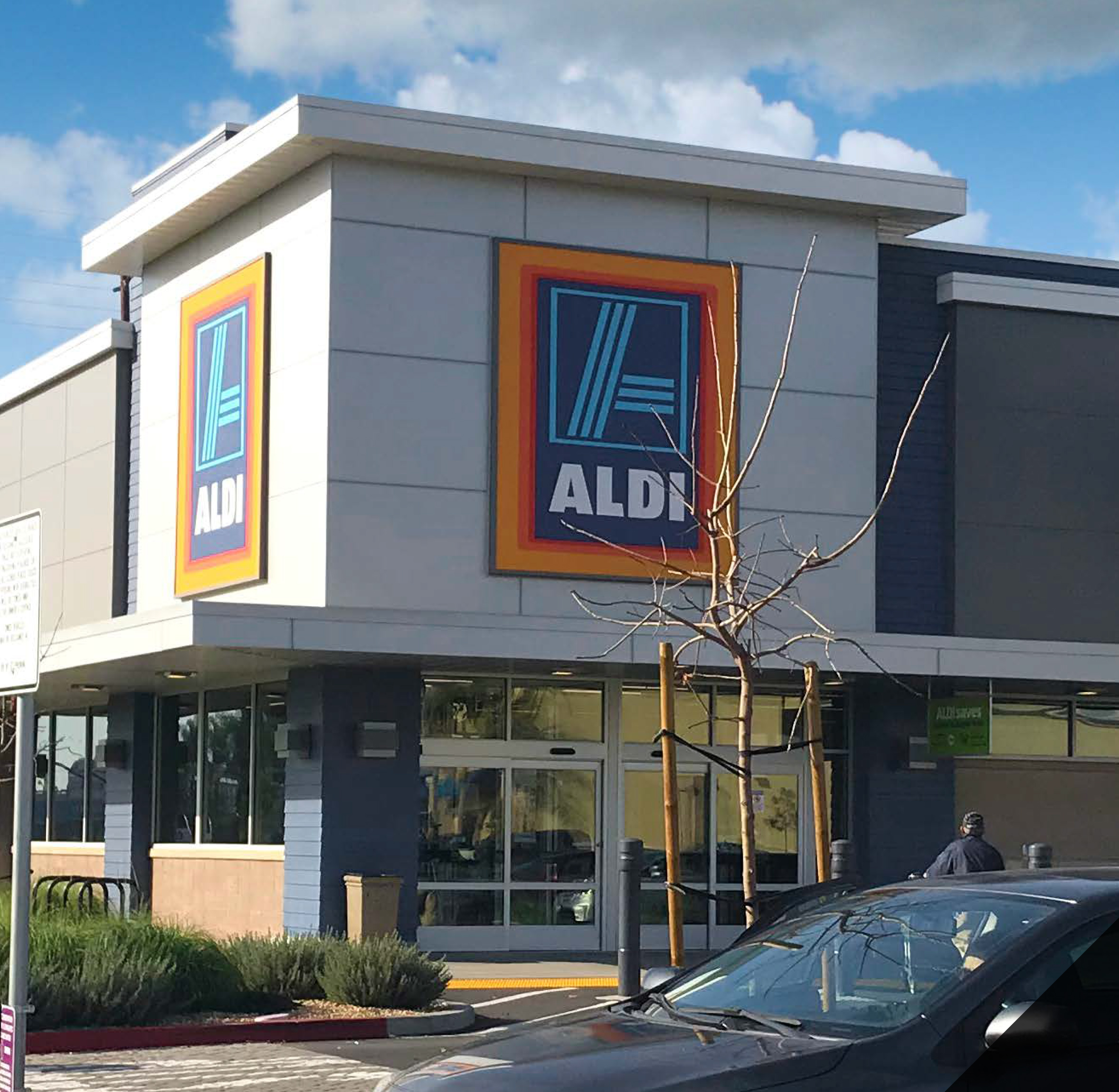 Hanley Investment Group Arranges Sale of Newly Renovated Single-Tenant Aldi in Northern Indiana for $3.8 Million to California Buyer 7