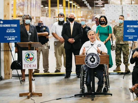 Governor Abbott at TDEM warehouse
