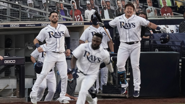 Rays hold off Astros to win AL pennant, advance to World Series 6