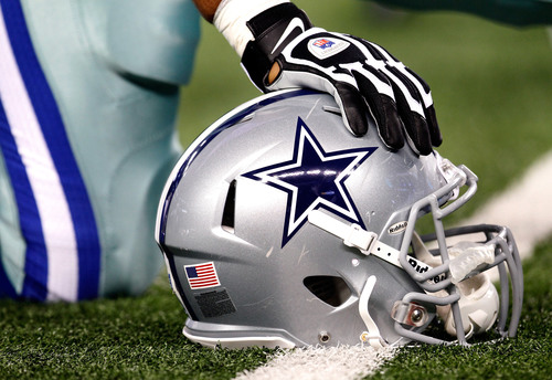 Cowboys All-Pro Zack Martin goes to IR, out for Tuesday night's game and at least 2 others 6