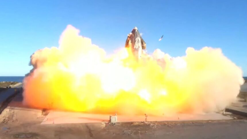 SpaceX Mars rocket prototype explodes in Texas, but it was still a success 6