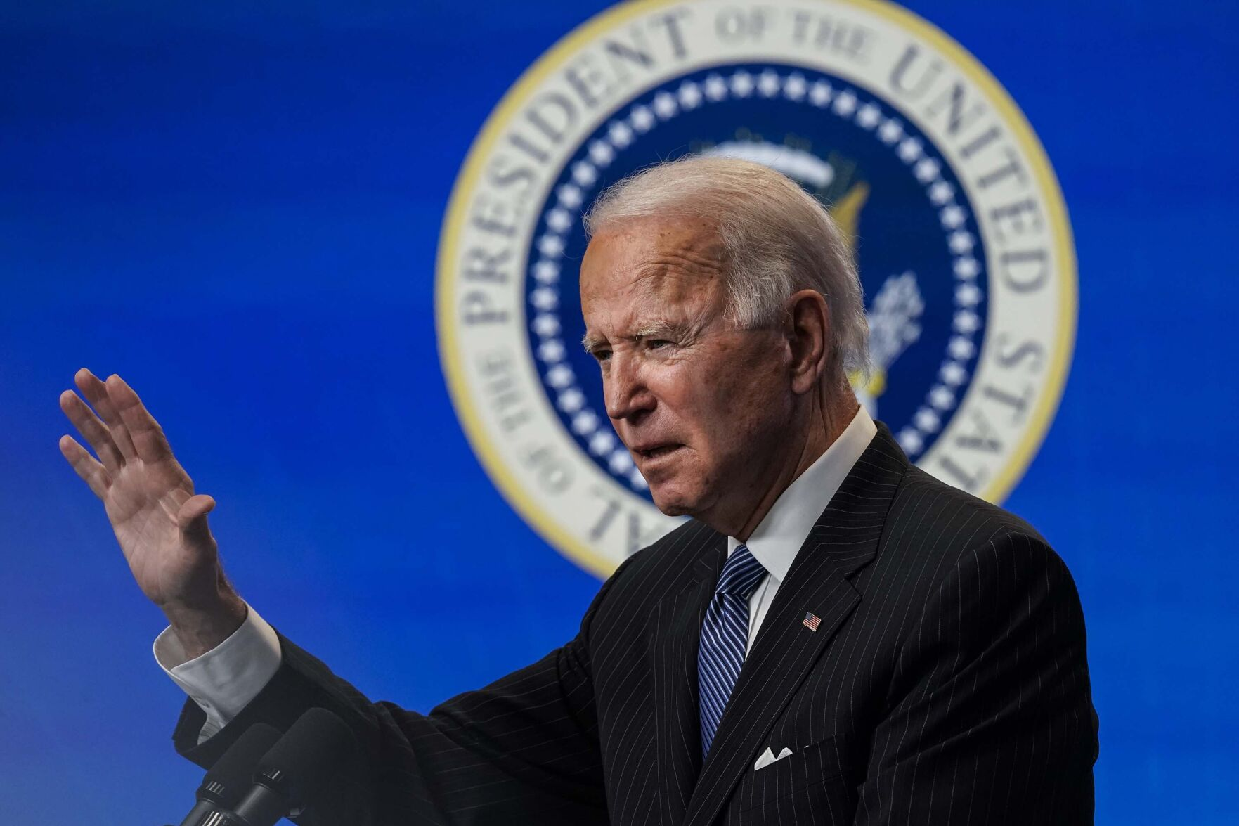 Texas judge temporarily blocks Biden's plan to halt deportations 2