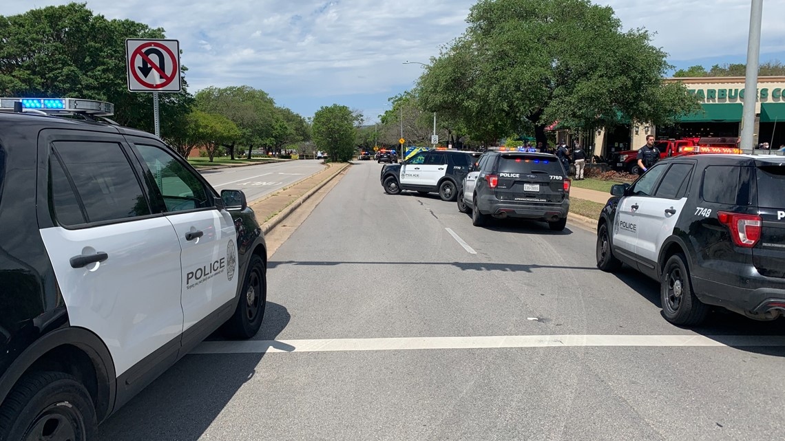 3 dead amid active shooter incident in Austin called 'domestic situation'; gunman sought 5