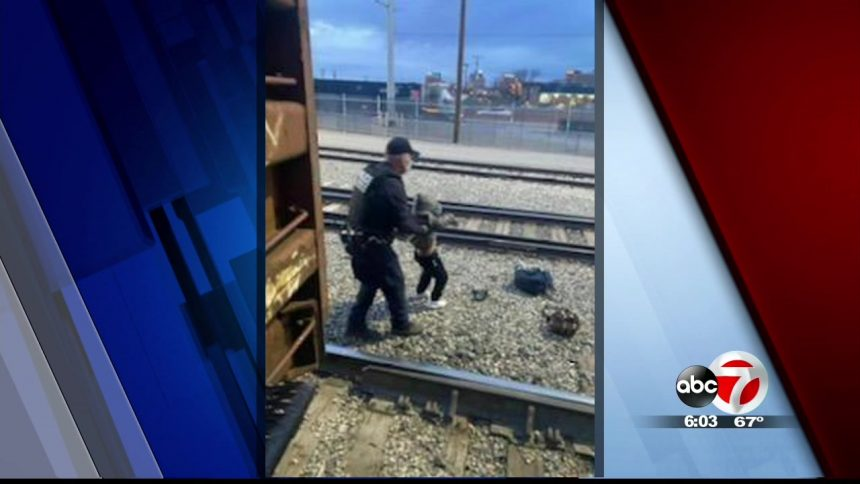 3 migrants hurt trying to jump on moving train in Hudspeth County 6