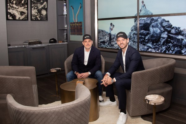 Apollo Shatters Elite Art Scene With Subscription-Based Inside Access to Artists and Art Investing 6