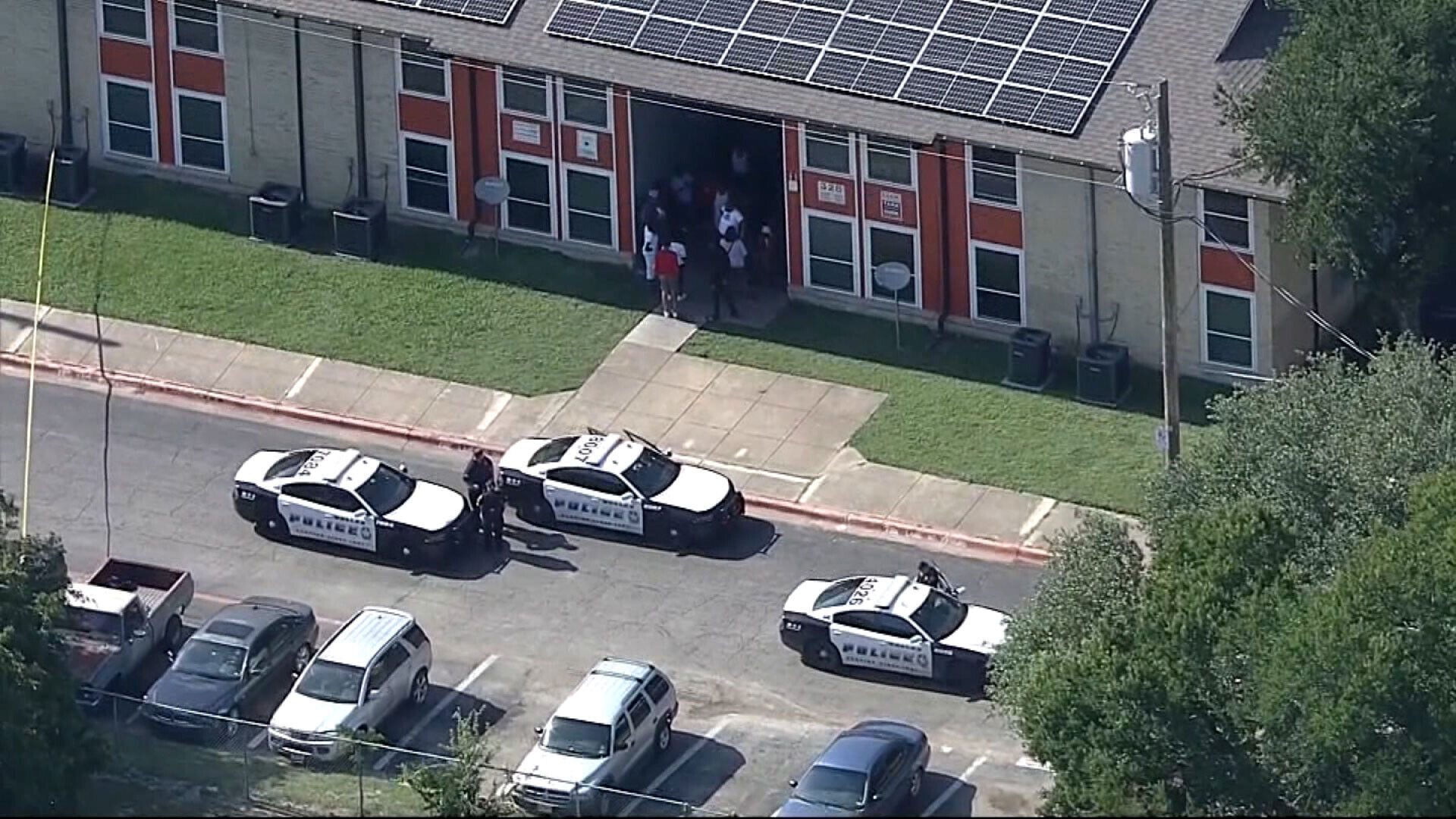 5 shot and wounded in Dallas, including 4-year-old girl 6