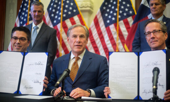Abbott signs 2 new laws to overhaul Texas' electrical grid 6