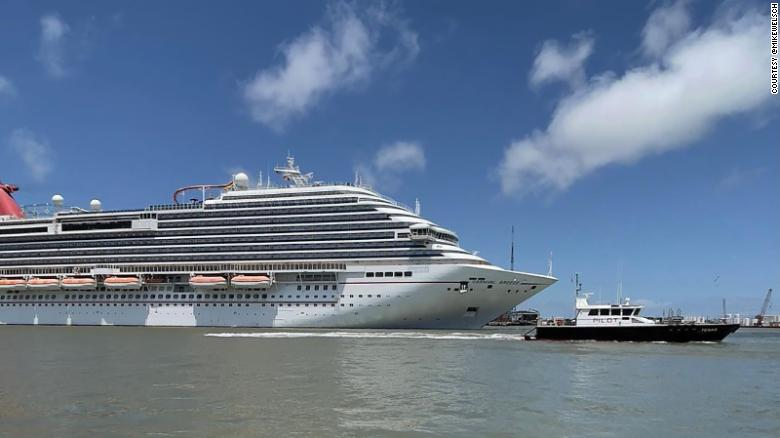 Republican governors of Florida and Texas battle with cruise lines over vaccine requirements 6