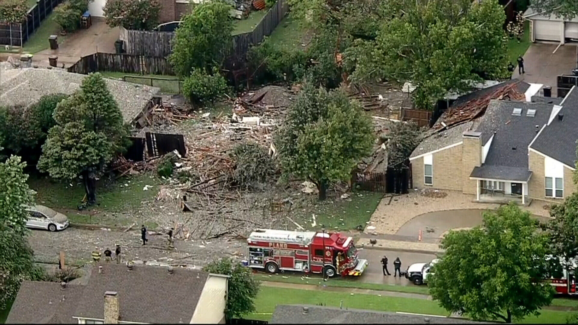 6 injured in a Texas home explosion that damaged 2 other houses 6