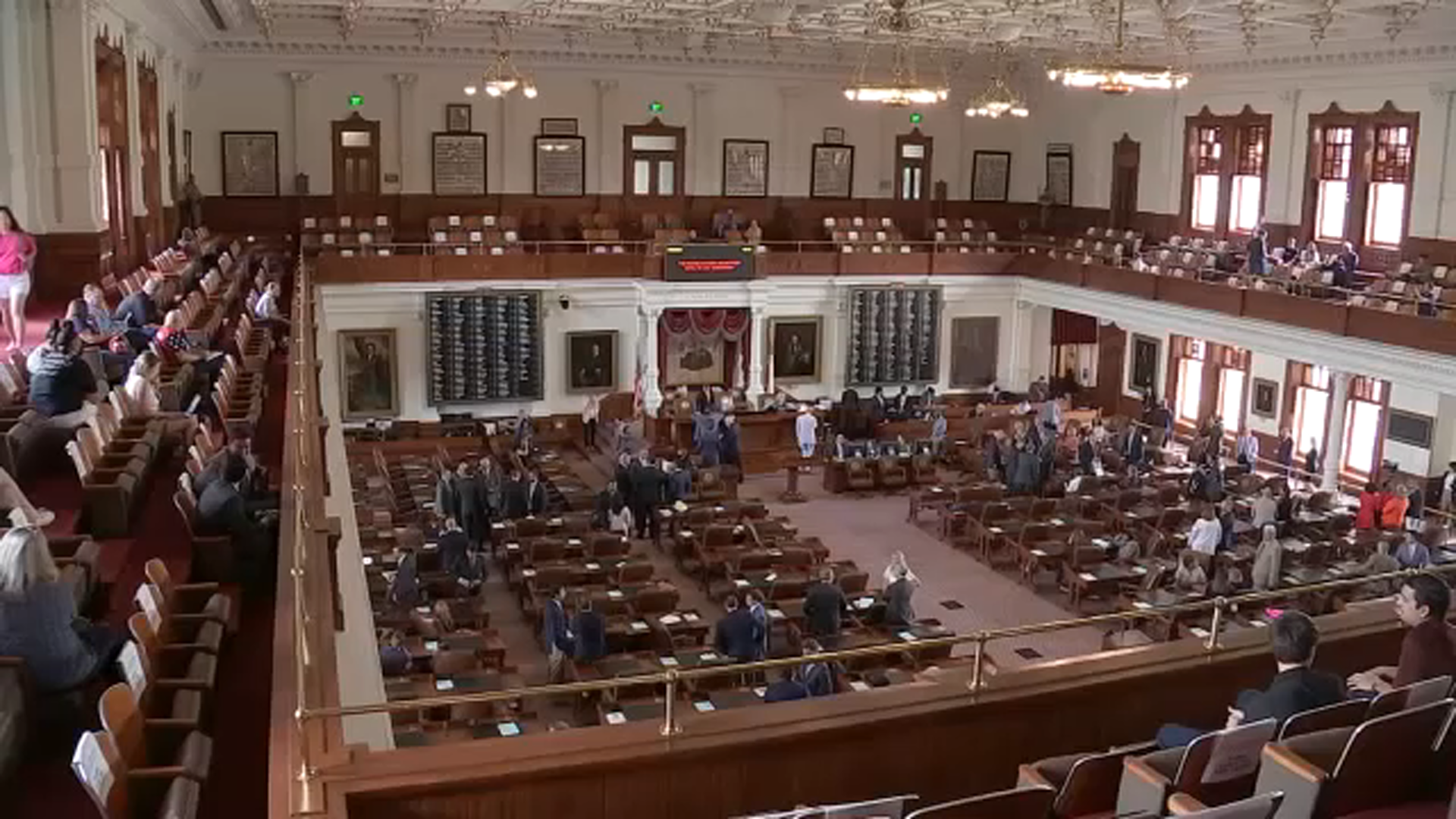 Beto among hundreds of Texans who line up at state Capitol to testify over GOP's voting bill 6