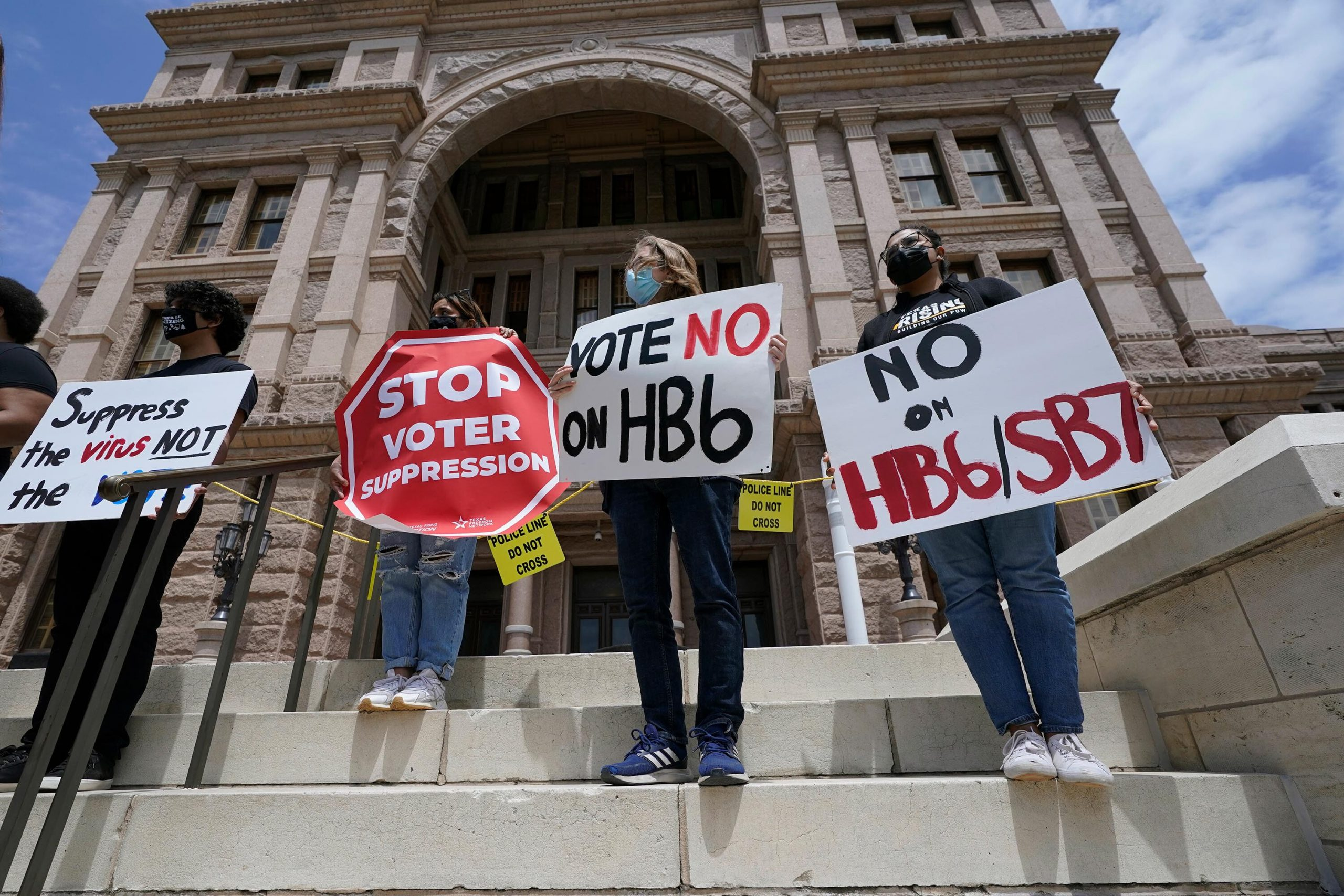 Dems in Texas Legislature plan to leave state to stop GOP passage of voting bill 6