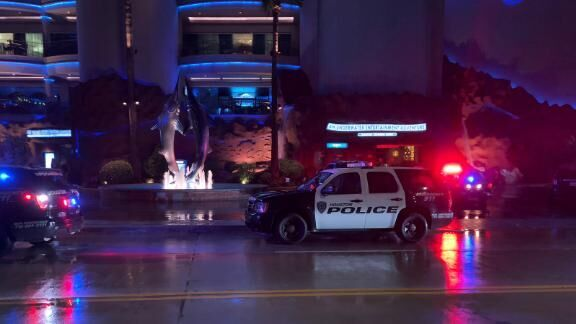 Gunman opens fire on couple at Downtown Aquarium in Houston 6