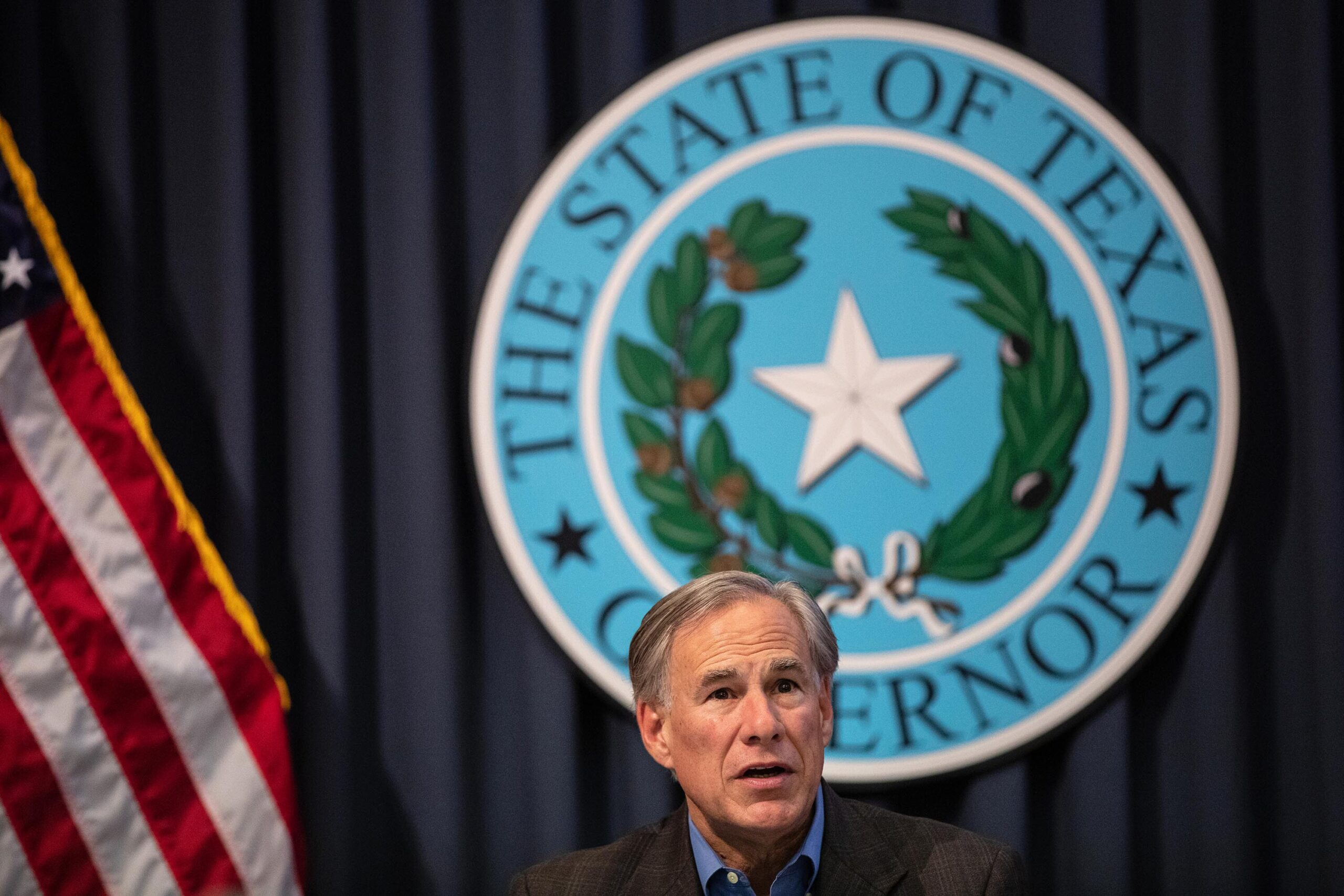 U.S. Attorney General threatens to sue Texas governor over order targeting migrants 1