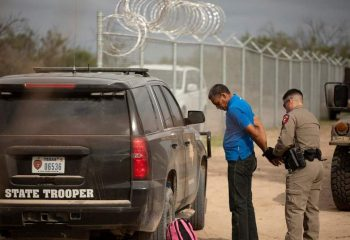 Judge to rule Tuesday on federal lawsuit to block migrant stops by Texas state troopers 9
