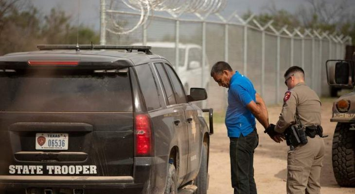 Judge to rule Tuesday on federal lawsuit to block migrant stops by Texas state troopers 14