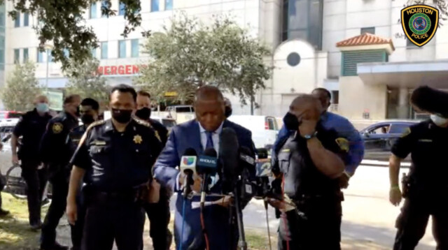 Houston officer dead, another injured while serving warrant 6