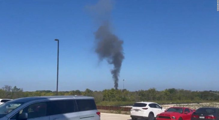 Military aircraft crashes in Lake Worth, Texas 9