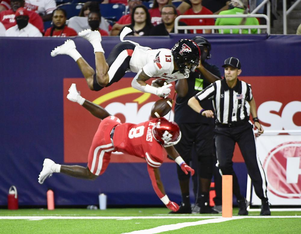 Shough, Brooks lead Texas Tech to 38-21 win over Houston 6