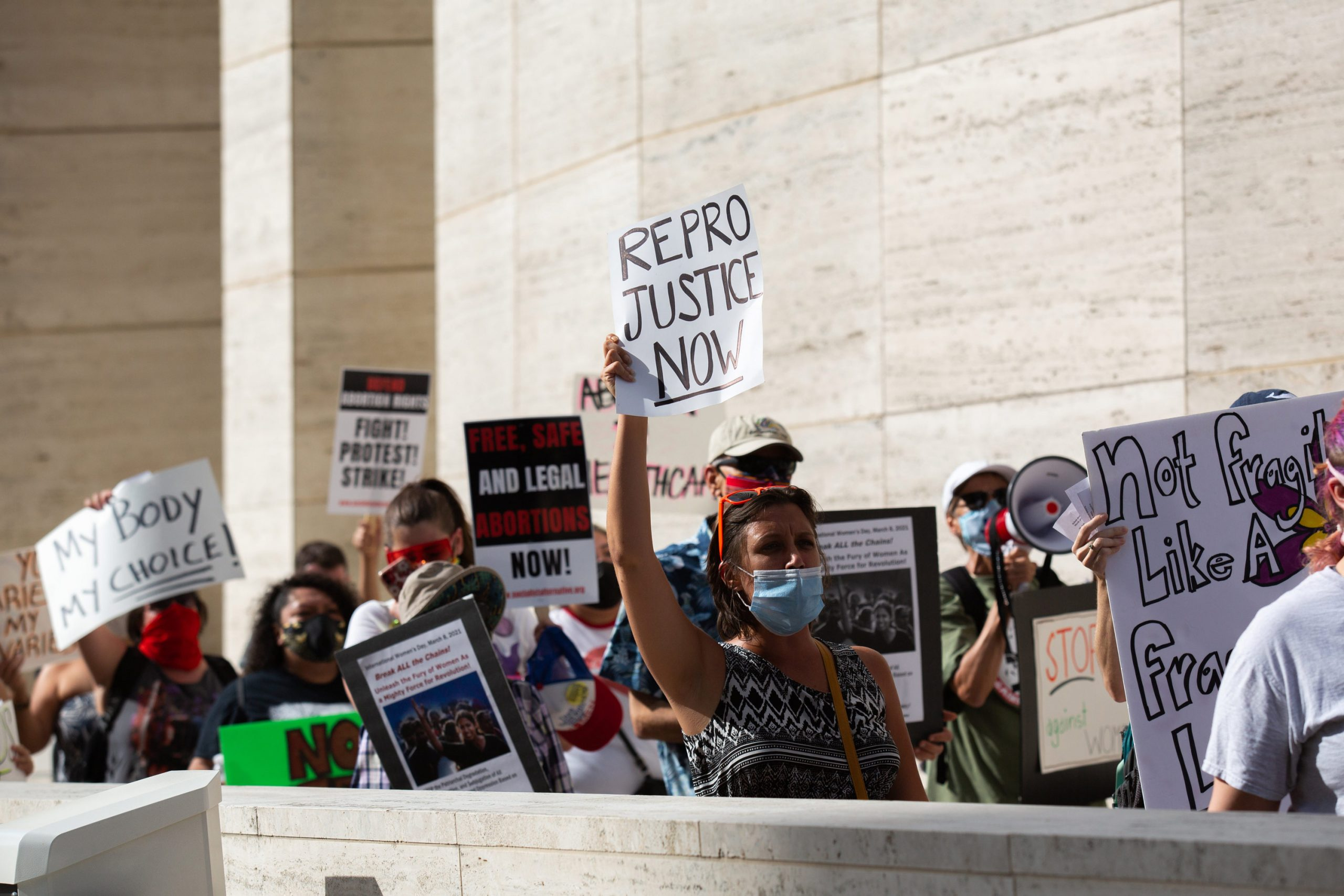 Texas governor signs bill tightening restrictions on abortion-inducing drugs 6