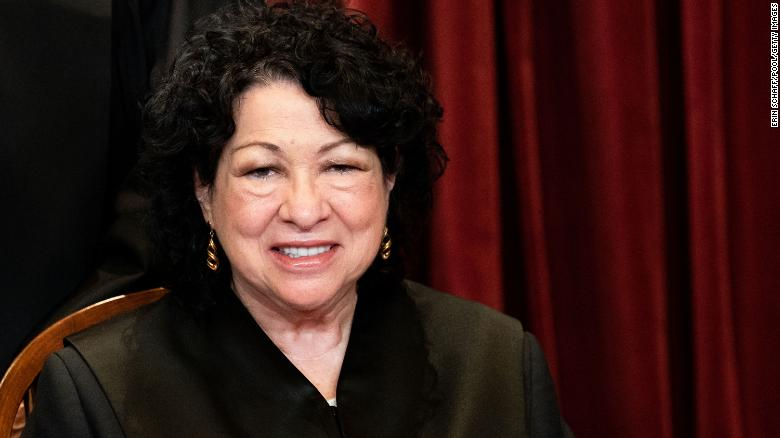 Justice Sonia Sotomayor criticizes colleagues for allowing Texas abortion ban to remain in effect 3