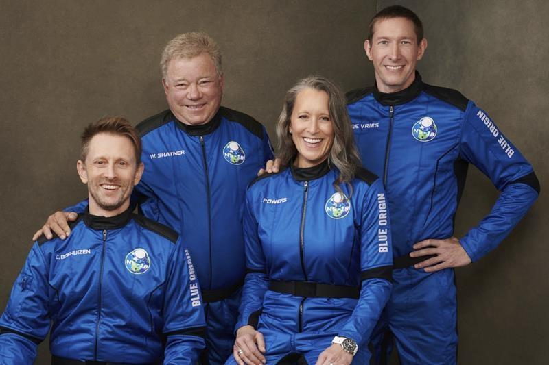 Shatner, 90, inspires with real-life space trip from Van Horn 6