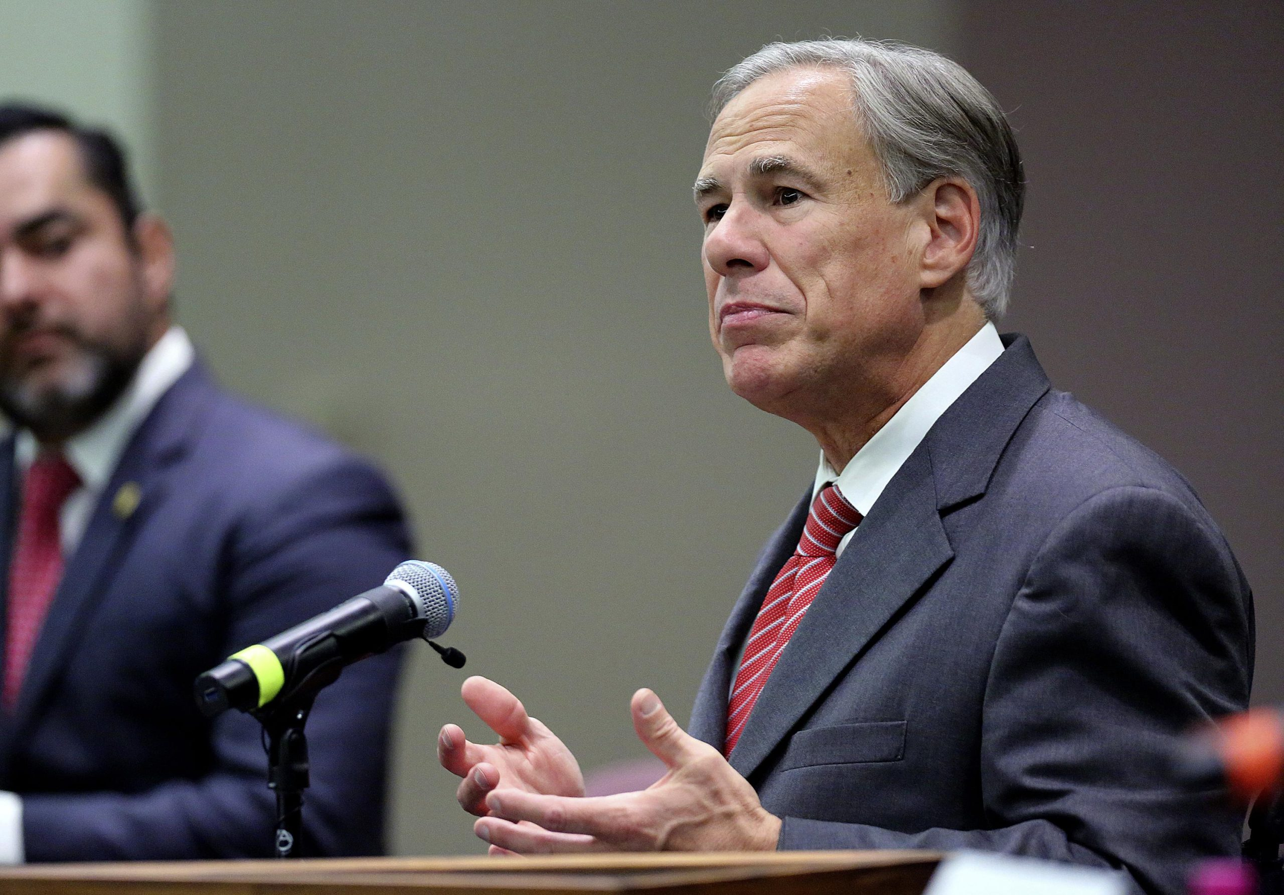 Texas governor orders ban on private company vaccine mandate 6
